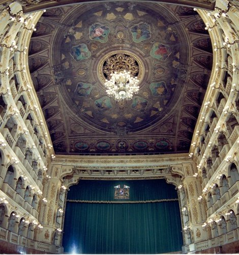 THEATER AND EVENT TICKETS  Art Hotel Novecento Bologne, Italie